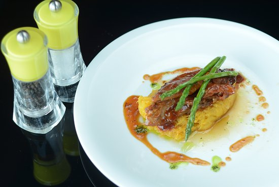 Fratelli Fresh: Barbequest lamb with asparagus