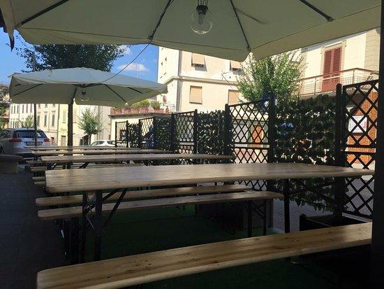 Lamporecchio, Italien: Tavoli