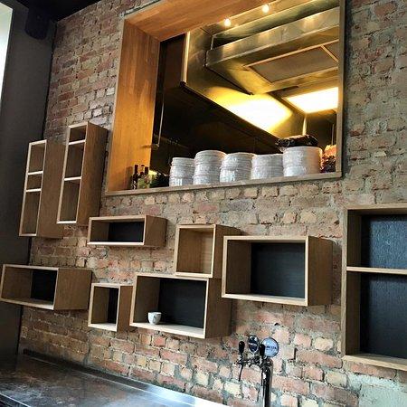 Publiko - Bar getting ready