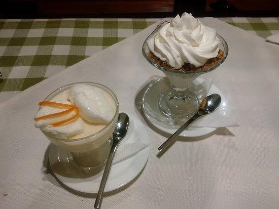Sfantu Gheorghe, Romênia: Left: bird-milk, Right: chestnut cream :)