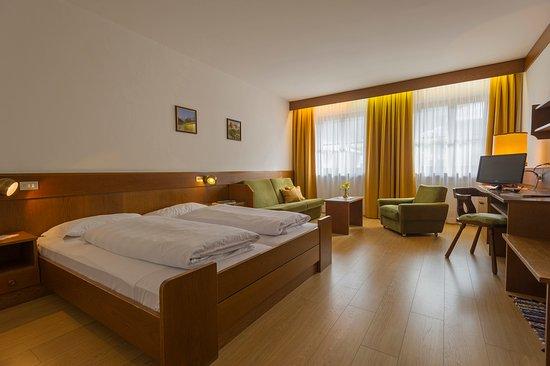 Hotel Mondschein: Doppelzimmer mit Wohnecke