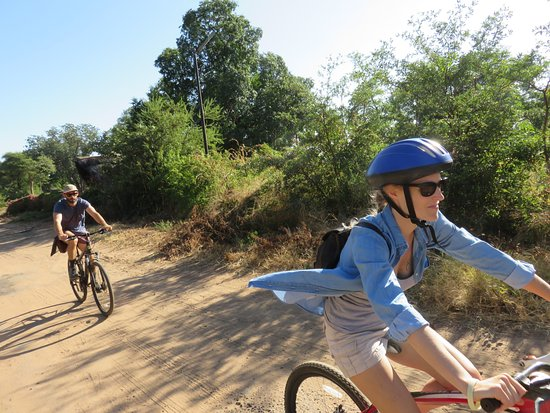 Bike & Saddle Day Tours: Cycling through the village.