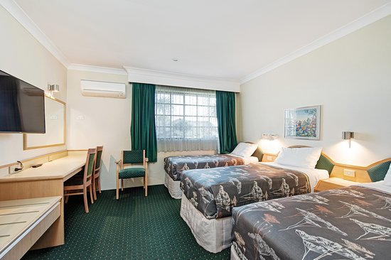Raymond Terrace, Australia: Family Front room