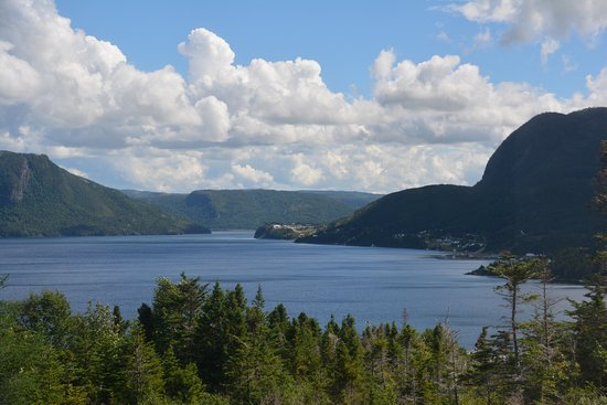 Woody Point, Καναδάς: Bonne Bay As Seen From The Discovery Center