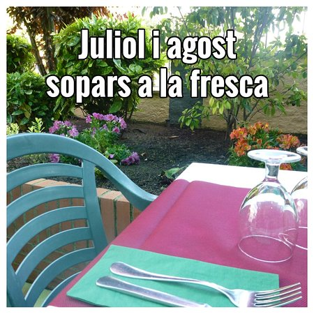 Caldes de Montbui, España: Sopars a la fresca
