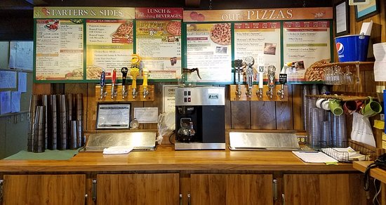 Round Table Pizza: Beer on tap