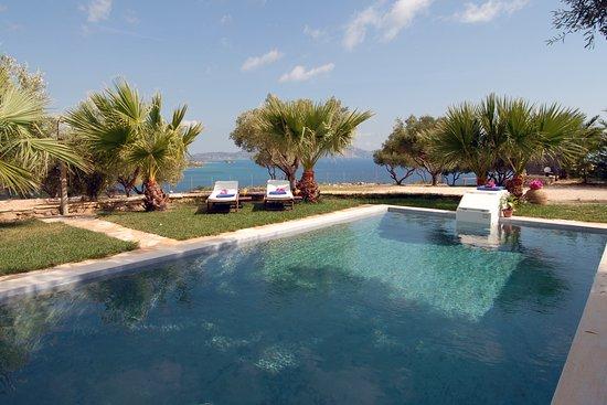 Лимни-Кери, Греция: Swimming pool, Villa Oniro