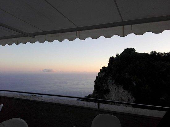 Hotel Le Rocce: Vista da una delle terrazze dell'albergo.
