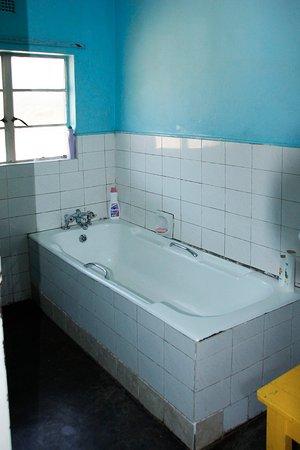 Zimbabue: Hippo Lodge - Bathroom