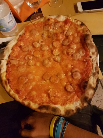 Segni, Italia: 20160829_212517_large.jpg