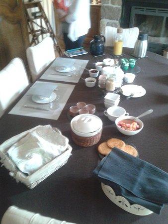 Ouainville, France: Petit déjeuner