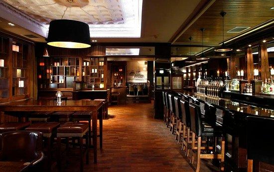Dungarvan, Irlande : Meladon Bar