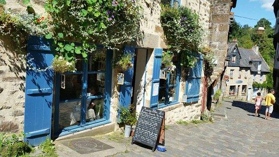 Picture of maison bleu lin dinan tripadvisor for Avoir une maison