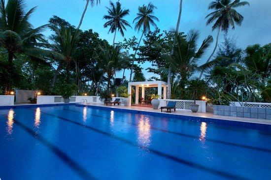 Surya Lanka Ayurveda Beach Resort: Pool