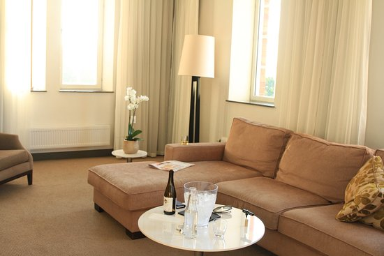 Elite Hotel Marina Tower: Living room