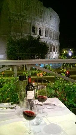 vista colosseo - Picture of Royal Art Cafe, Rome - TripAdvisor