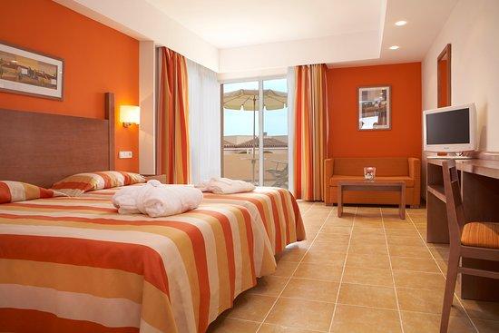 Universal Hotel Don Leon: room