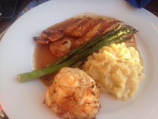 Boat House Restaurant: Seafood trio
