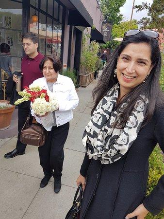 South Pasadena, CA: Happy mums