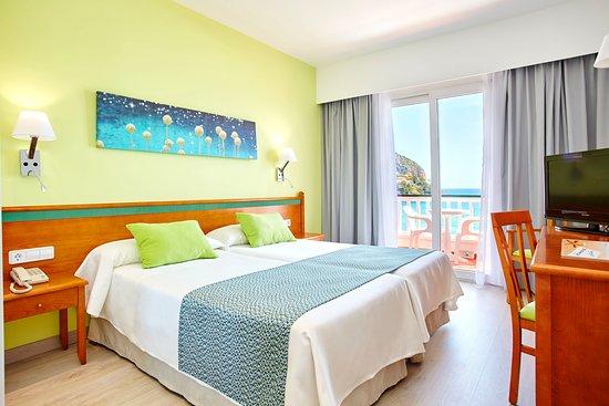 Universal Hotel Laguna: Double room sea view