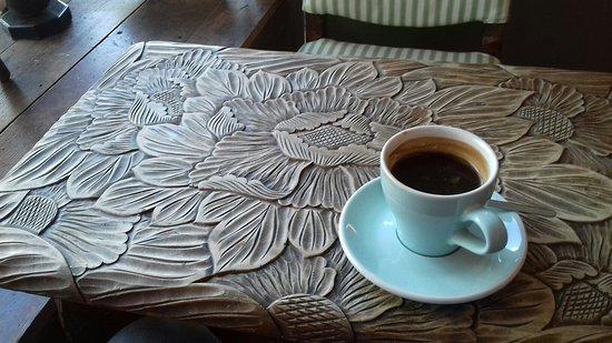 Espressini: Delightful table...