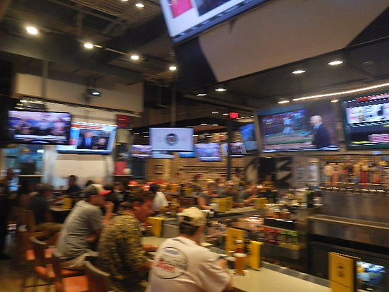 Buffalo wild wings grill bar harrisonburg 1007 s main st restaurant reviews phone number - Buffalo american bar and grill ...