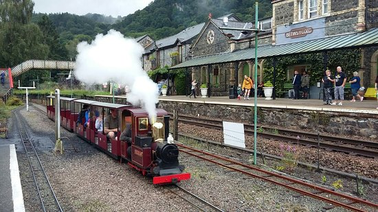 Betws-y-Coed, UK: Conwy Valley Railway Museum & Model Shop