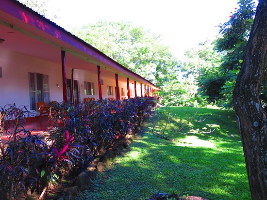 Hacienda Guachipelin: All rooms have views of beatiful gardens