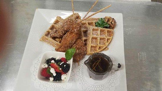Culpeper, VA: Flavor's Chicken & Waffles