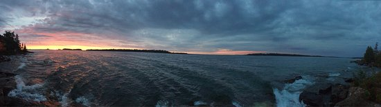 Rock Harbor Lodge: photo1.jpg