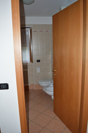 secondo bagno - Picture of Residence Alba Nova, Andalo - TripAdvisor