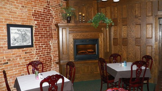 Pittsfield, IL: Fireplace in the Lounge