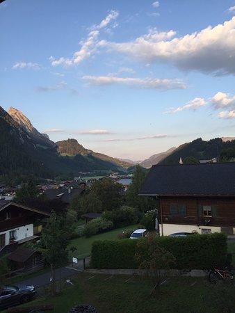 Jugendherberge Gstaad Saanenland: photo0.jpg