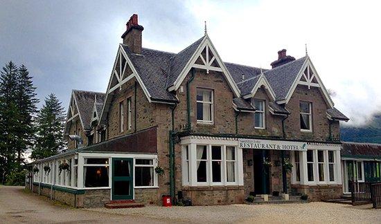 Letterfinlay Lodge Hotel: vista dal lato d'ingresso