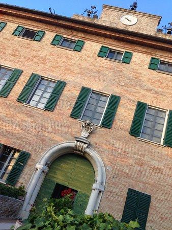Monterado, İtalya: Entree van het castello