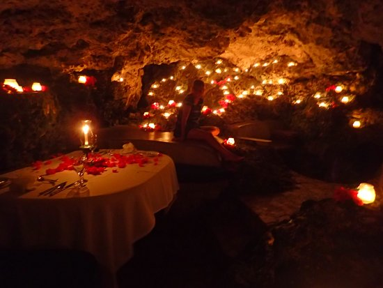 The Caves: Private Cave Dining