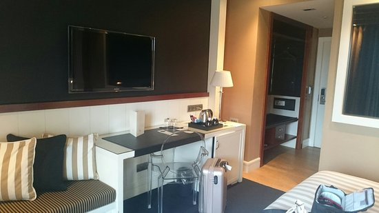 U232 Hotel: DSC_5763_large.jpg