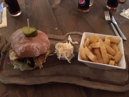 Walkington, UK : Classic Burger main course