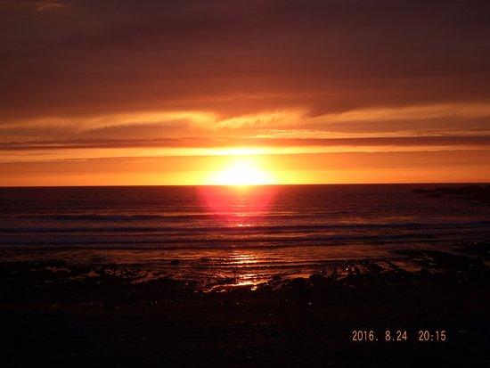 Coombe Barton Inn: sunset taken from the inn