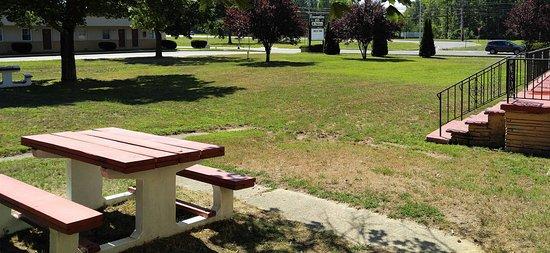 Neptune City, นิวเจอร์ซีย์: Garden Bench