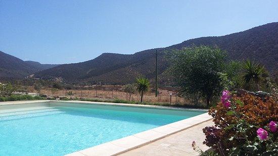 Piscinas, อิตาลี: La vista dalla piscina