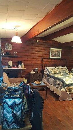 The Cedars Paradise Motel : 20160831_074011_large.jpg