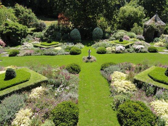 L Entree Au Jardin De Kerdalo Picture Of Jardins De Kerdalo
