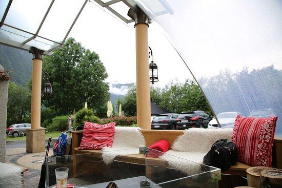 Hotel Vier Jahreszeiten: Место для курения