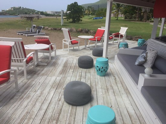 Nevis: Outside Seating
