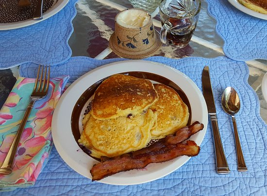 Chocorua, NH: Locally sourced, from-scratch blueberry buttermilk pancakes