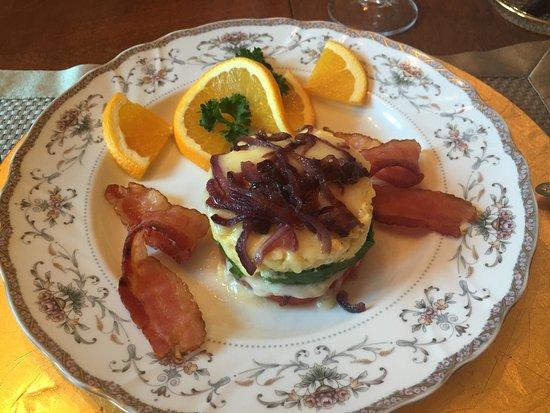 Flery Manor B&B: Food as art, and it tastes great too!