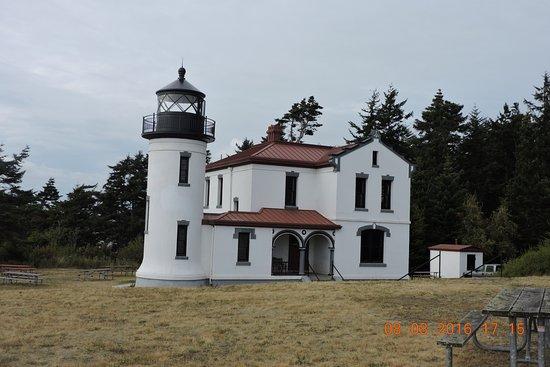 Coupeville, WA: 堡壘旁的燈塔