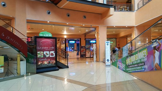 Centro Commerciale Due MariCentro Commerciale Due Mari