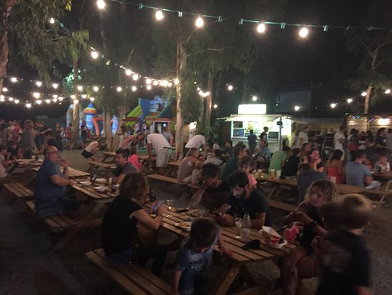 Gualta, Spania: 347 Sreet Food Park